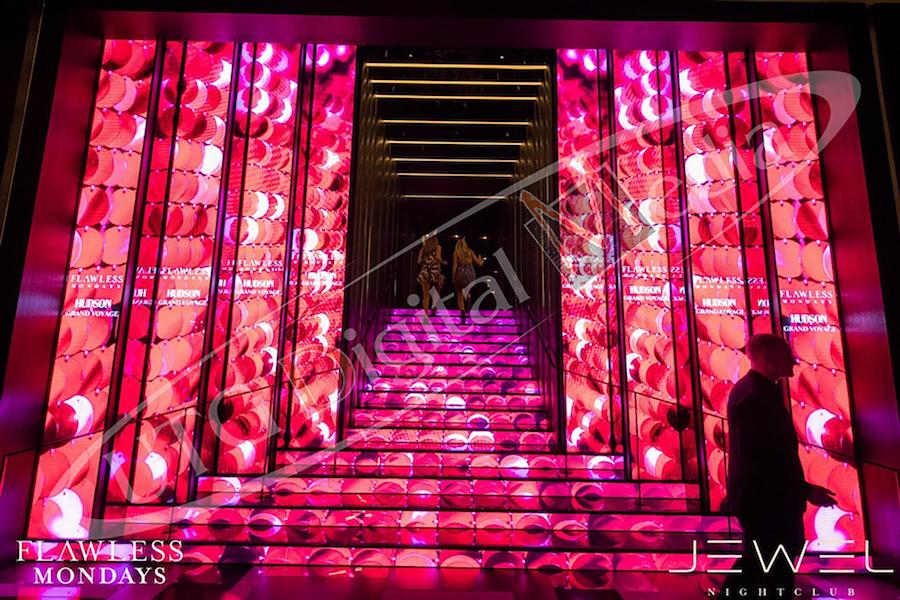 UTG DIGITAL MEDIA LAUNCHES INAUGURAL LED STAIRCASE IN VEGAS
