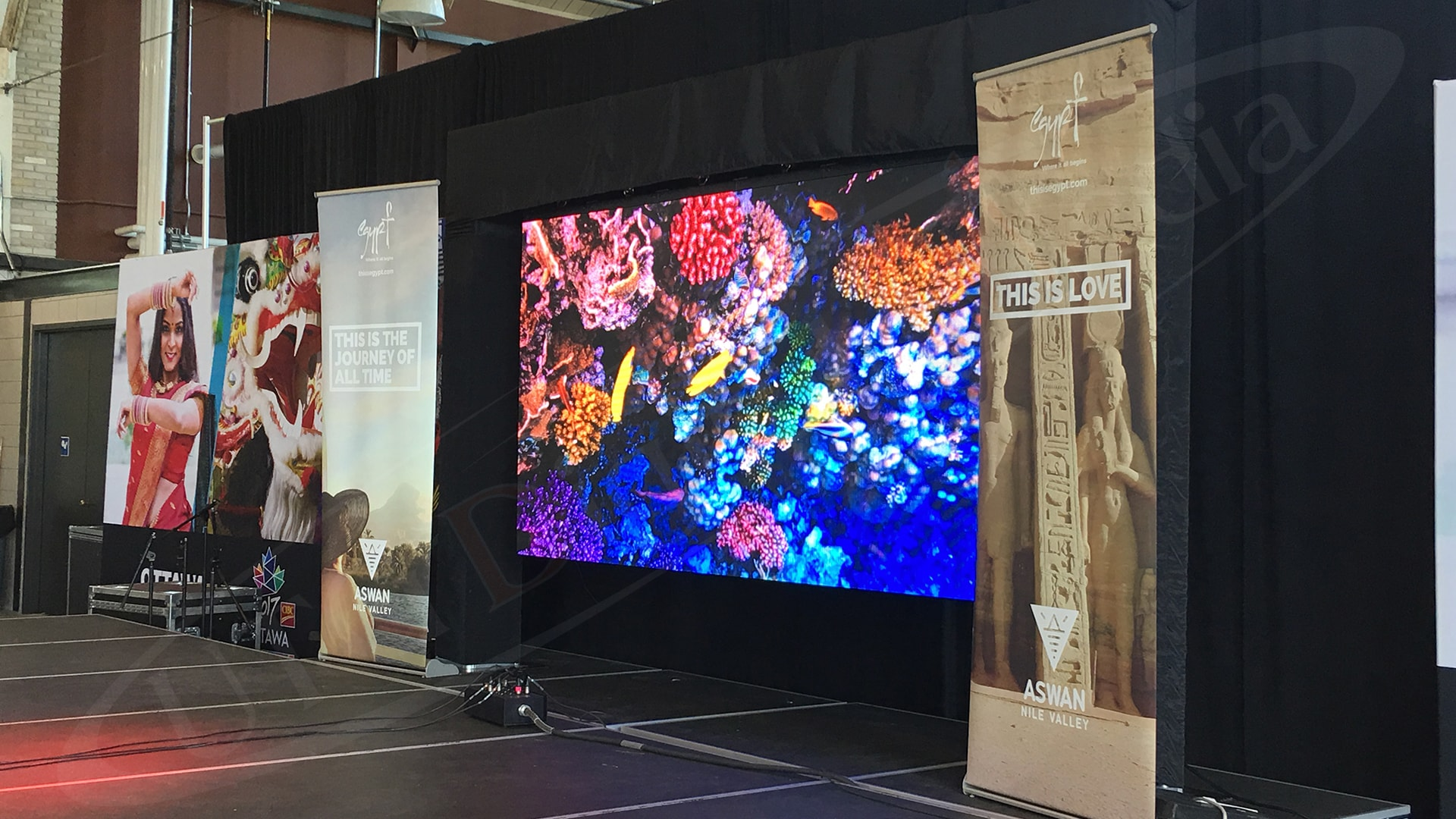 Benefits of Renting Digital Signage for your Next Event