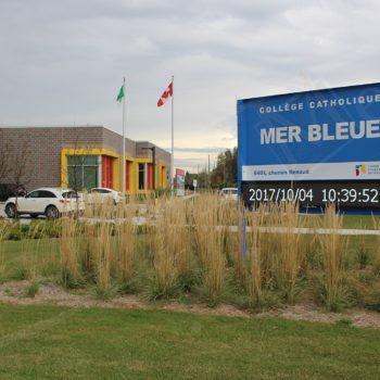 Collège Catholique Mer Bleue – LED Pylon