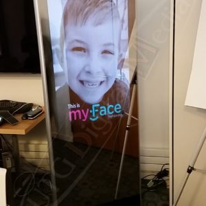 My Face – 43″ SS Stand Up Digital Mirror