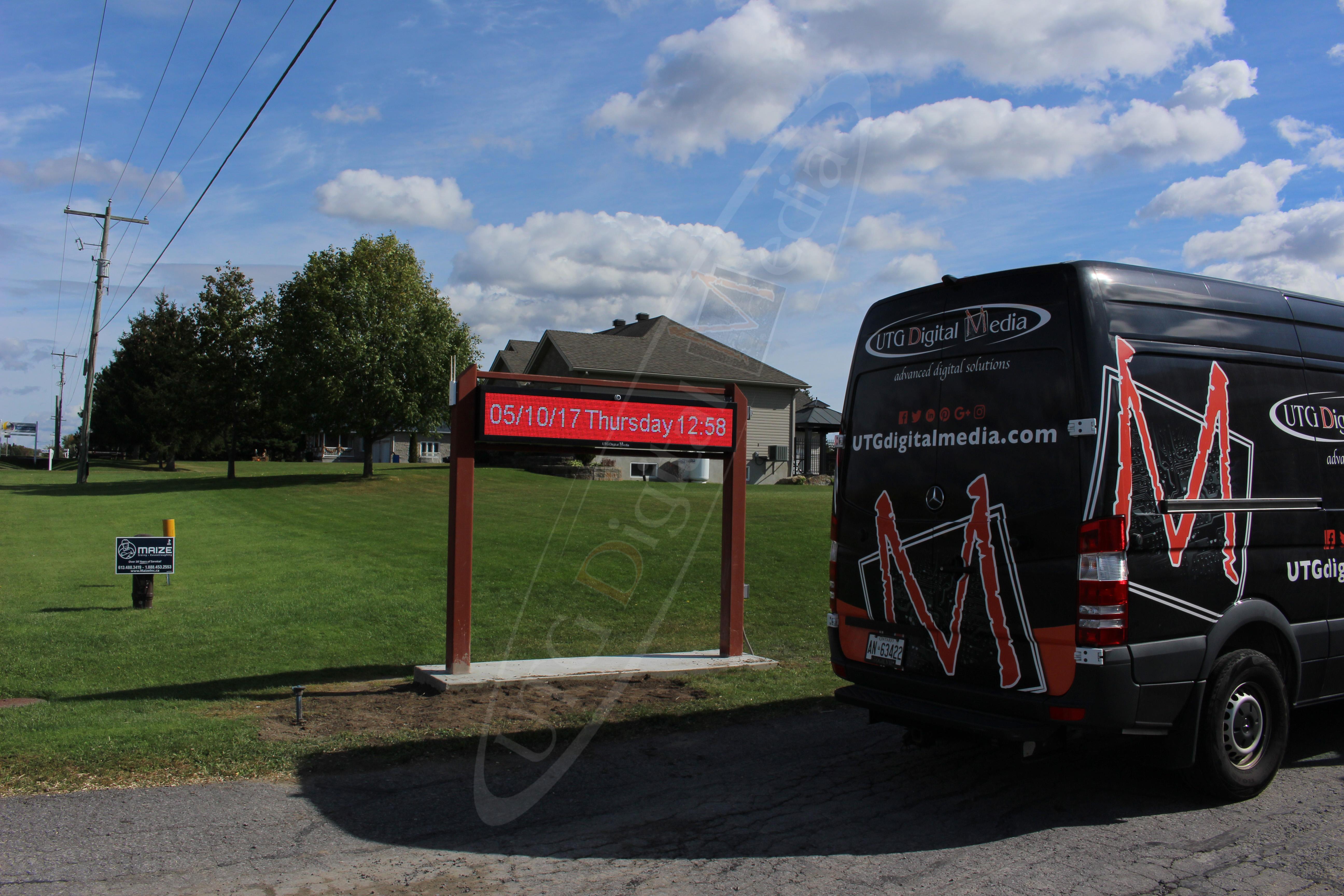 Club Optimist – Outdoor LED Pylon