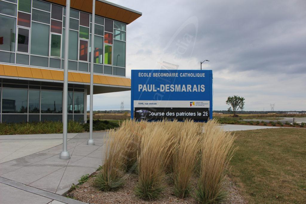 École Paul Desmarais – Outdoor LED Pylon