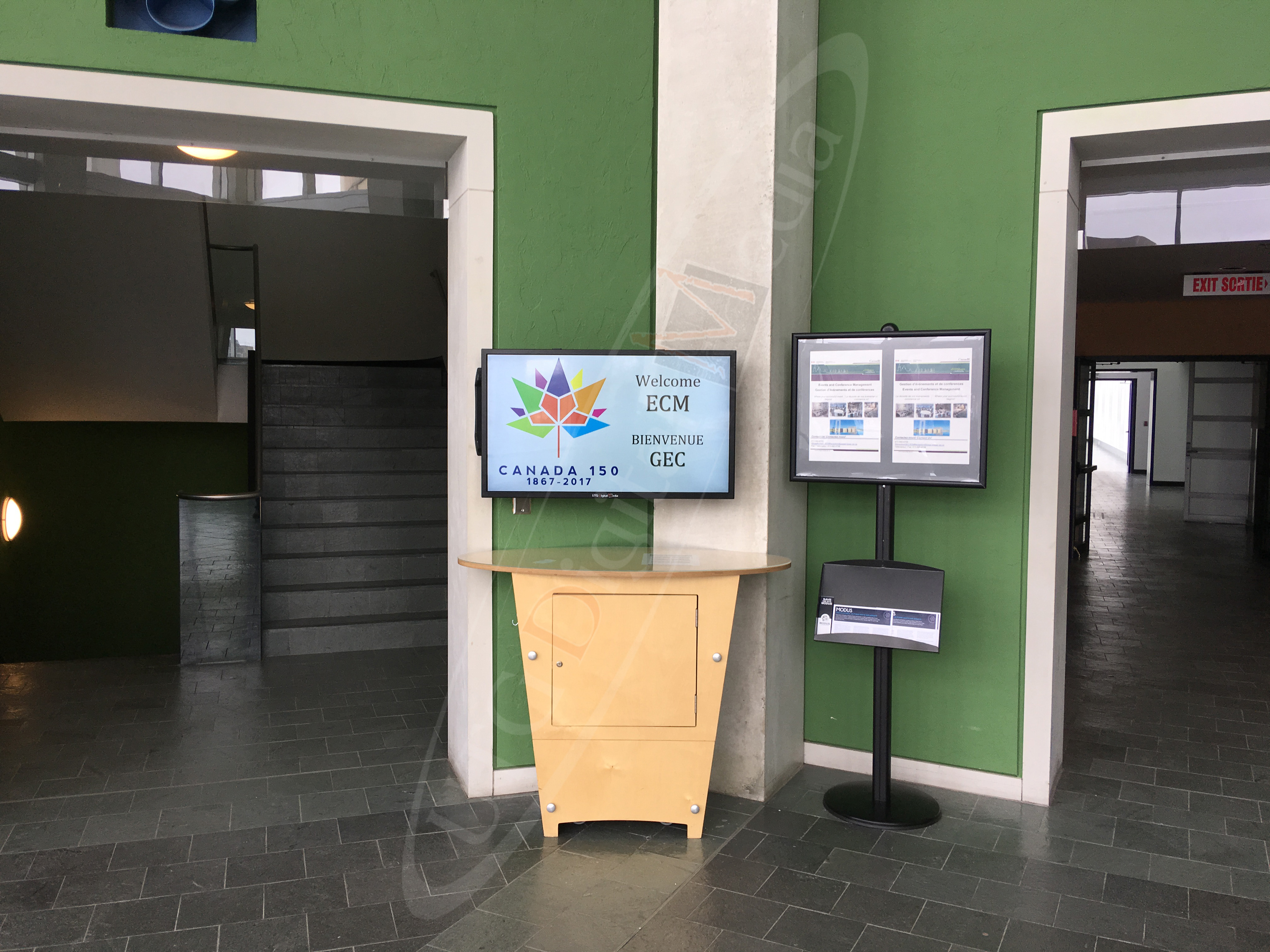 PWGSC – Government of Canada – Wall Mounted LCD Screen