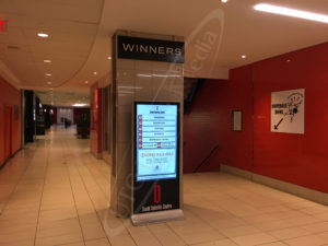 A UTG LCD Standup Screen at the South Oakville Mall