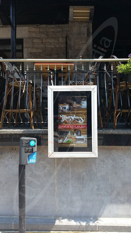 Thursdays Restaurant – Outdoor Menu Box