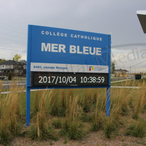 École Mer Bleue – Outdoor LED Pylon