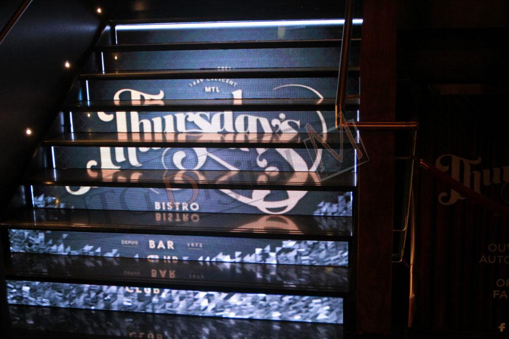 Thursday's Bistro in Montreal – Indoor LCD Standup Screen